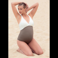 Vientisas maudymosi kostiumėlis nėščioms EDEN SAND (UPF 50+ UV apsauga)